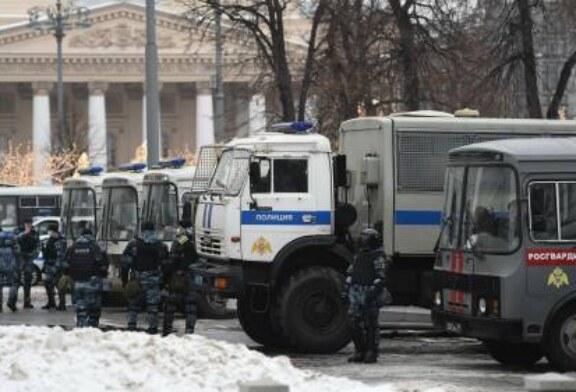 Россия выслала трех европейских дипломатов за участие в акциях