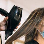 Разговоры во время стрижки или массажа повышают риск заражения SARS-Cov-2