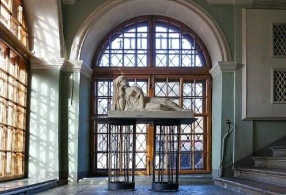 Великое переселение: в Петербурге музей скульптуры потеснится в пользу РПЦ
