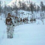 Активность НАТО в Арктике выросла, заявил командующий Северным флотом