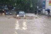 «Такого не помним»: жители Ялты показали, как выглядит затопленный город